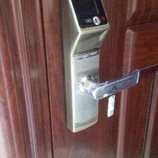 面部识别密码锁